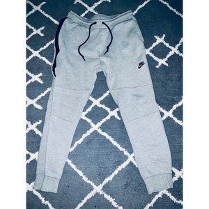 Nike Tech Fleece Joggers Size L